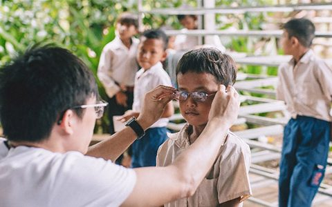 Optometry students making a difference in Thailand and Cambodia