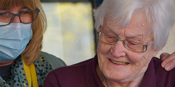Aged care commission recommends arrangements with optometrists and more accessible vision aids
