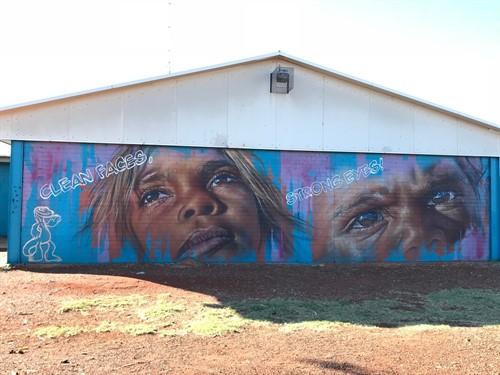 aboriginal eyes mural