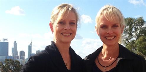 Michelle Leighton (L) Wendy Leighton (R) - online