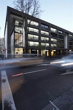 P066_Optique 01 Building